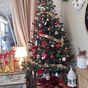 árbol de navidad en muebles san simon